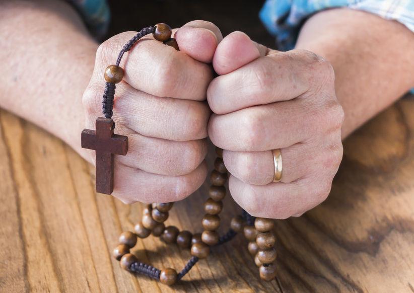 Z Maryją różańcem w koronawirusa – modlitwa różańcowa